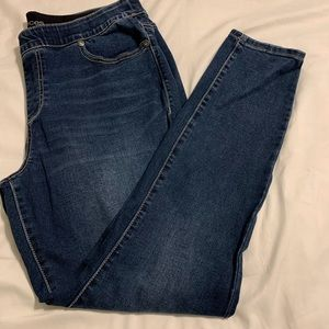 Maurices pull on skinny blue jeans. Size 16W